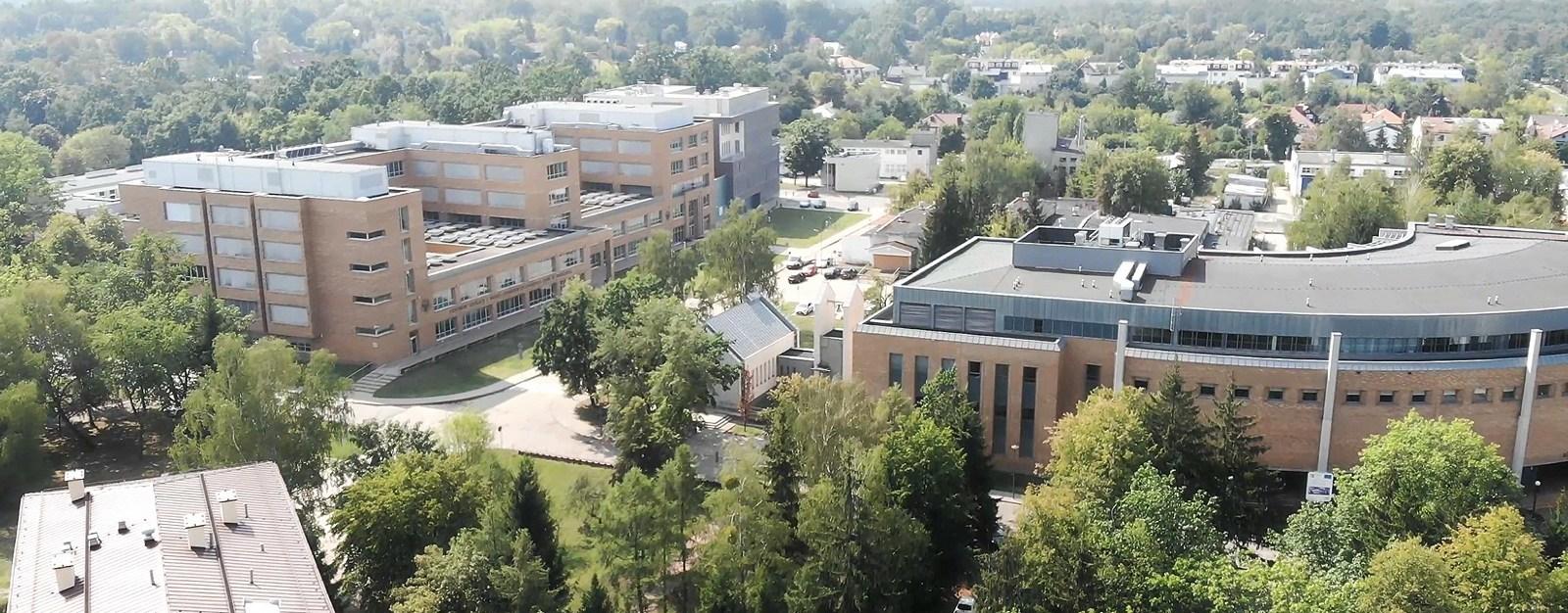 Zdjęcia budynków UKSW